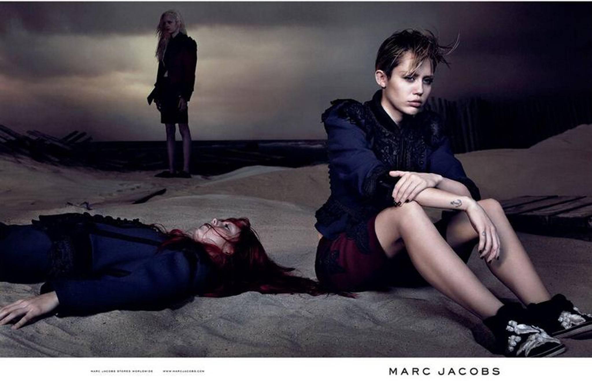 Miley Cyrus este noua imagine Marc Jacobs