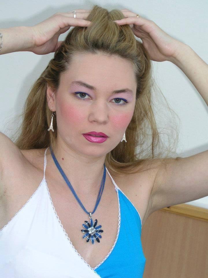 """Interviu in exclusivitate cu frumoasa actrita Oana Gheorghe ( Teatrul Dramatic """"Fani Tardini"""" Galati) – """"Publicul de teatru are nevoie sa fie surprins"""""""