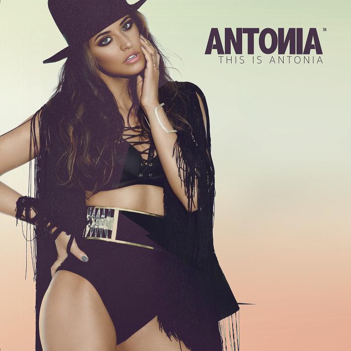 Antonia a lansat un album de hituri: This Is Antonia