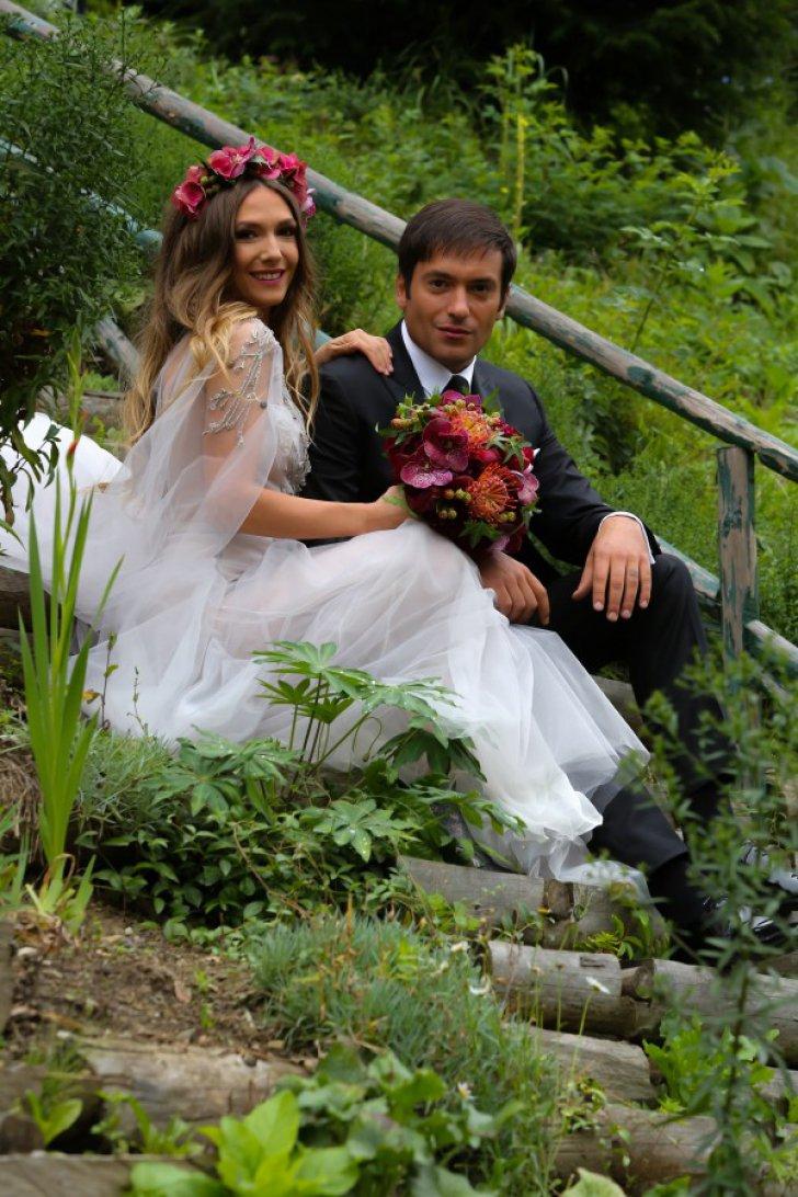 Radu Valcan si Adela Popescu s-au casatorit