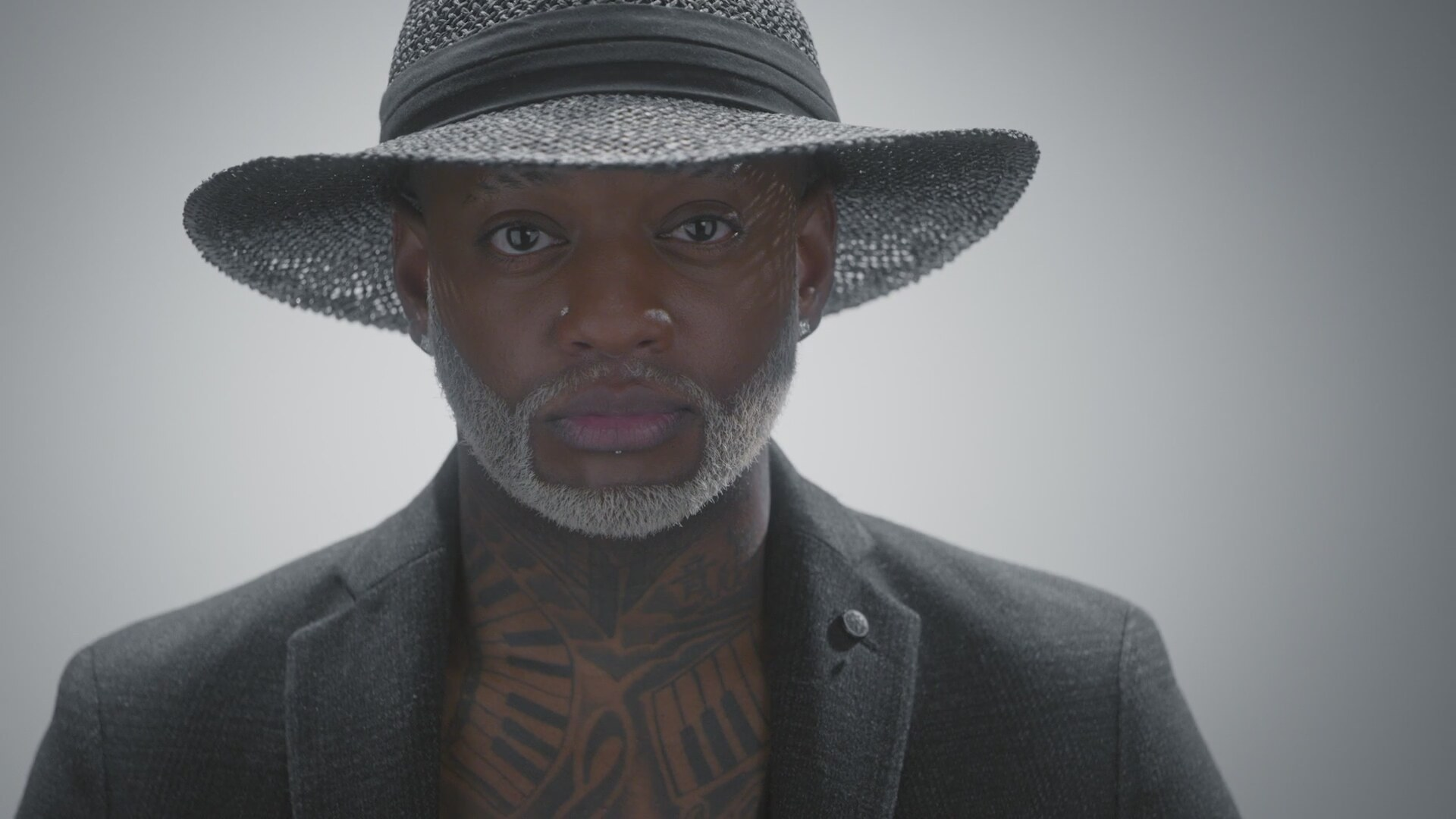 """EXCLUSIV! Interviu de weekend: Willy William – """"ÉGO is a soft way to say """"don't let your Égo take over control, stay fun"""""""