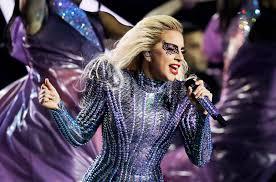 """Lady Gaga a lansat o noua piesa, """"The cure"""", in cadrul festivalului Coachella"""