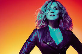 "Lara Fabian revine cu un nou videoclip in limba engleza, ""Growing wings"""