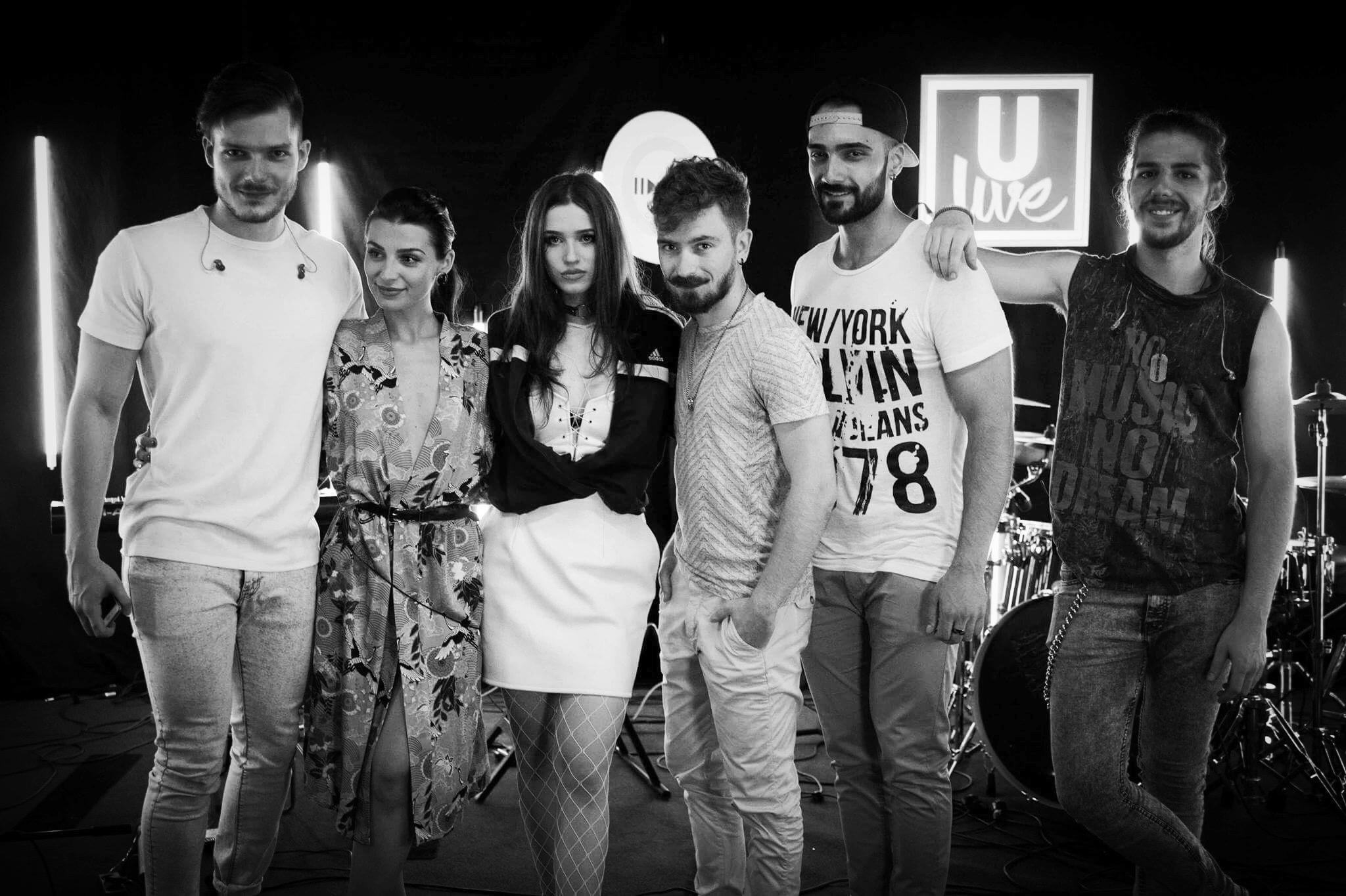 """#ULiveSession: Ioana Ignat lanseaza o versiune live a piesei """"Doar pe a ta"""""""