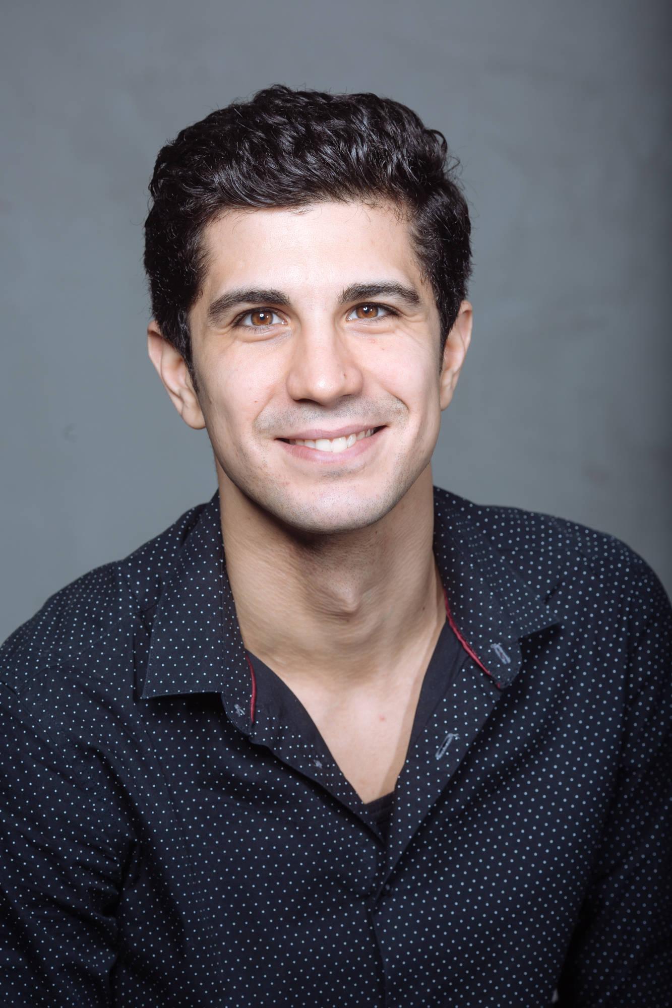 Implica-te si tu alaturi de actorul Alex Calin in a da o sansa la educatie copiilor nevazatori