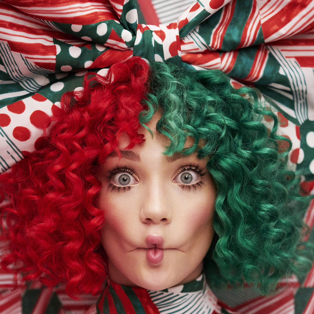 "Sia a lansat primul ei album de Craciun, ""Everyday is Christmas"""
