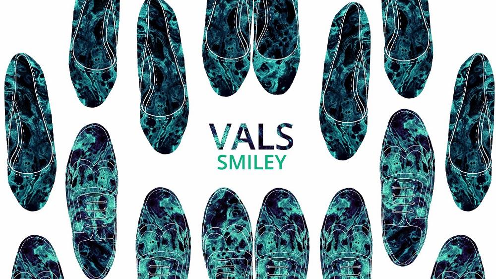 """Smiley se indreapta in pasi de """"Vals"""" spre lansarea celui de-al patrulea album"""