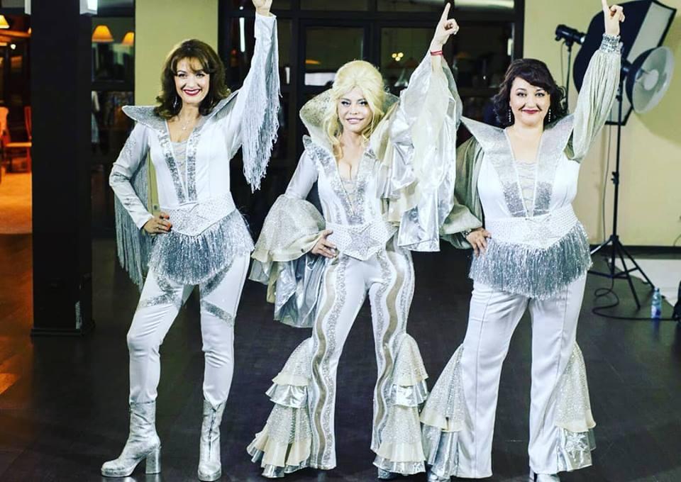"""Artistii din musicalul """"MAMMA MIA!"""" incep repetitiile generale la Sala Palatului"""