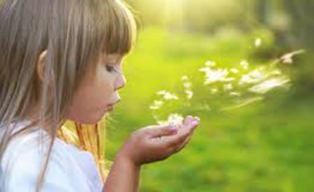 Artistii ne marturisesc care este cea mai frumoasa amintire legata de copilarie.