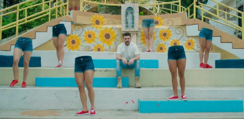 Juanes lanseaza videoclipul piesei Pa Dentro