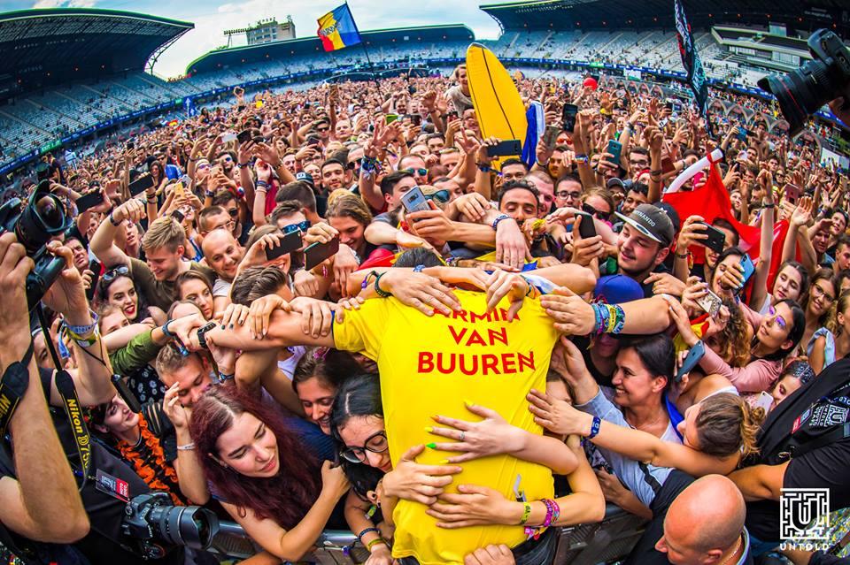 Setul lui Armin van Buuren de la Untold 2018 se poate urmari acum si online