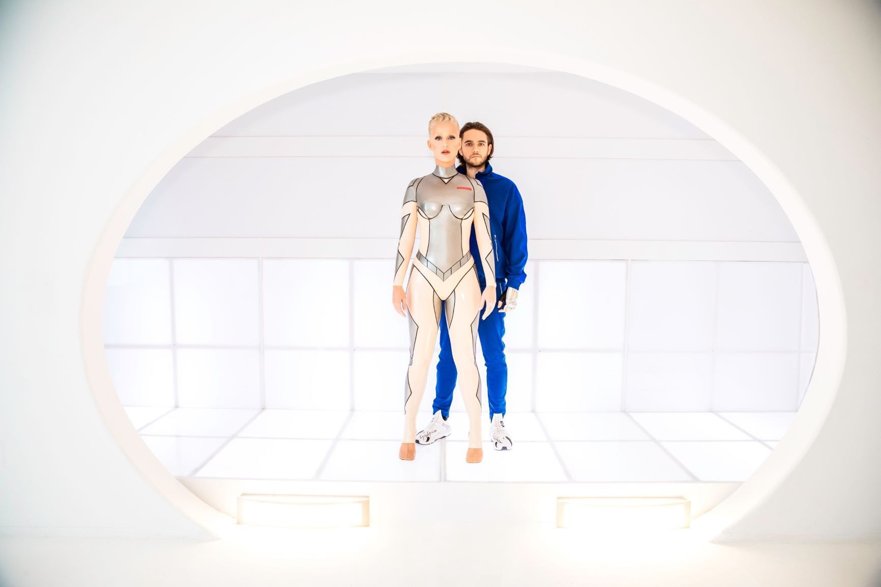 """Zedd si Katy Perry lanseaza un single de ascultat """"365"""" de zile pe an"""