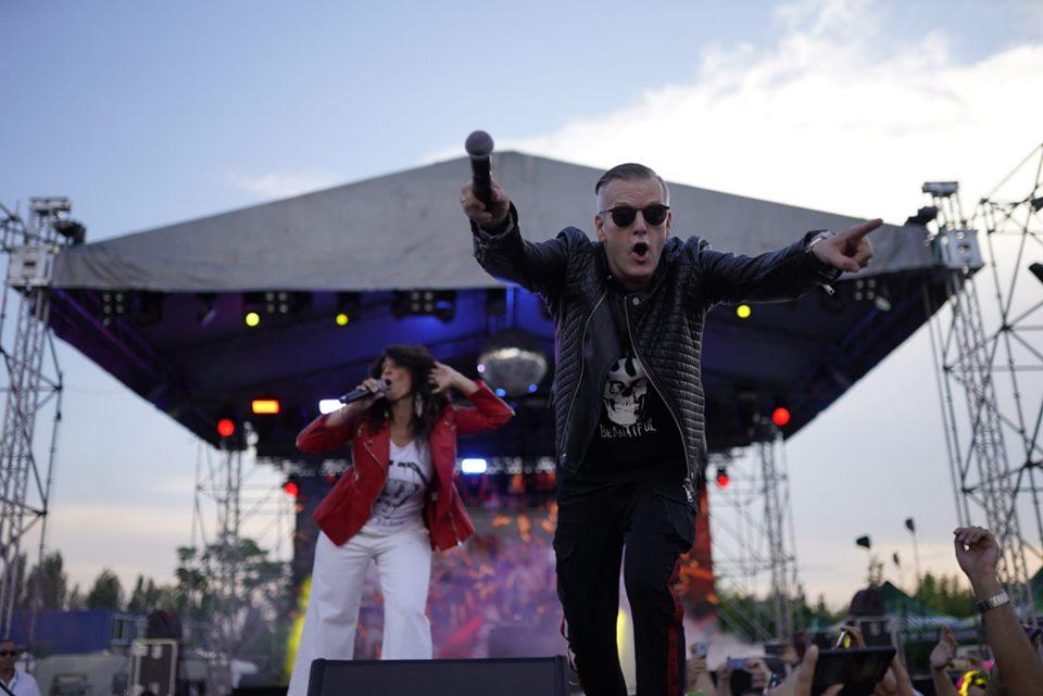 Retro Music Festival – Ziua 2: Cand dragostea si retro merg mana in mana   Video interviuri Real Mccoy, Lian Ross, Milli Vanilli