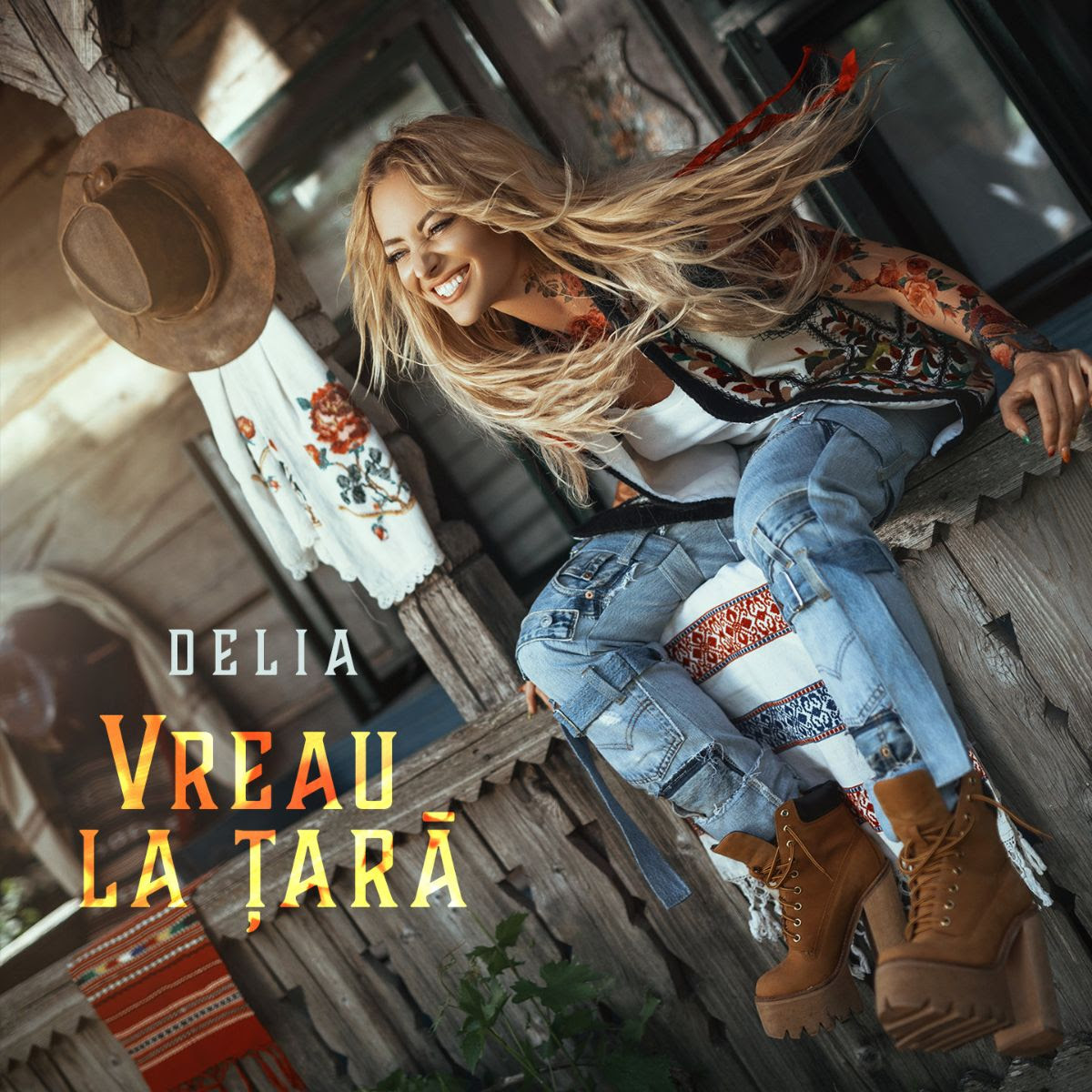 """Delia lanseaza """"Vreau la tara"""", o piesa vesela, de vara, cu un videoclip colorat"""