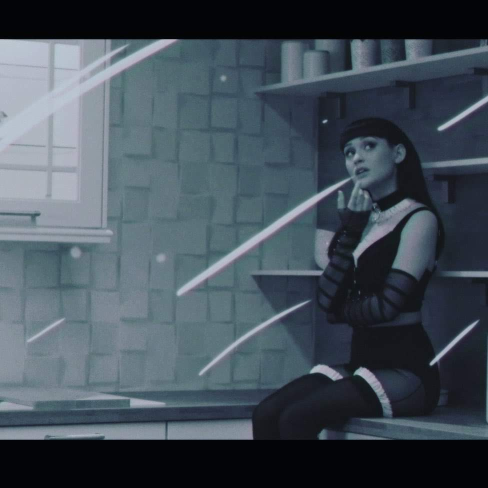 """Irina Rimes se transforma in extraterestru in cea mai jucausa piesa de pe albumul """"Cosmos"""": """"24:00"""""""