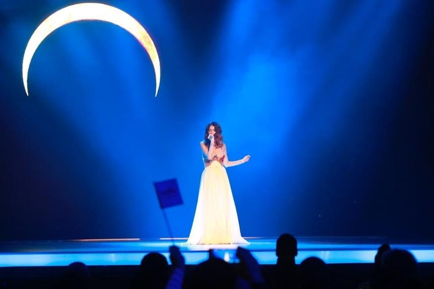 """Roxen ne va reprezenta la Eurovision Song Contest cu piesa """"Alcohol you"""""""