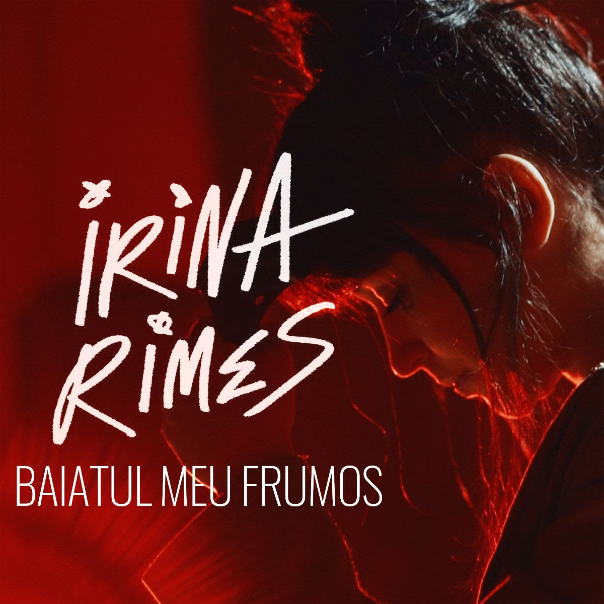 Irina Rimes lansează videoclipul piesei Băiatul meu frumos, care a fost realizat din momente din cadrul turneului COSMOS